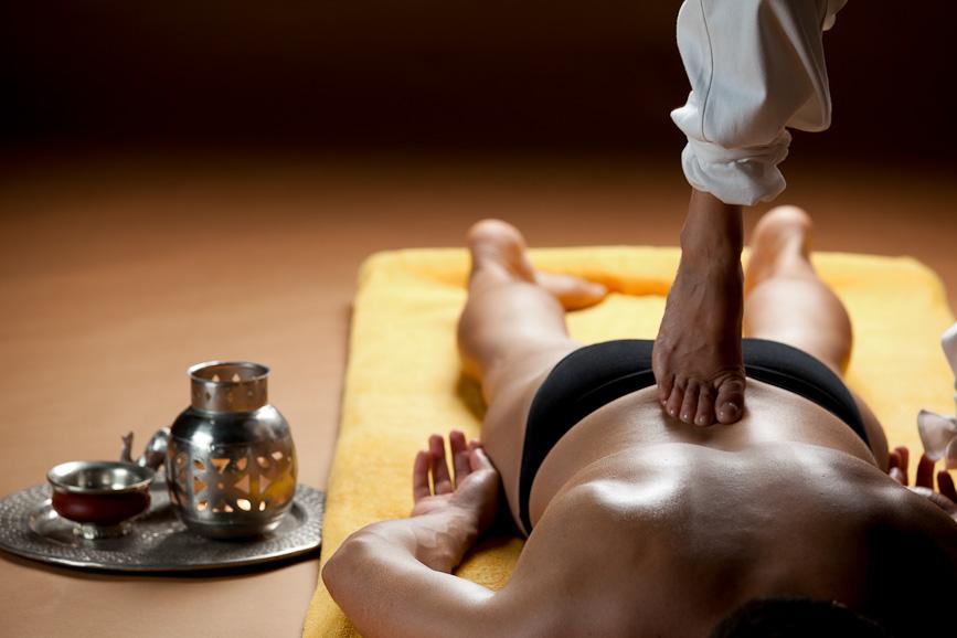 massaggio ayurveda energizzante rinvigorente kalari sportivo precombattimento ilaria salmaso studio olistico roma