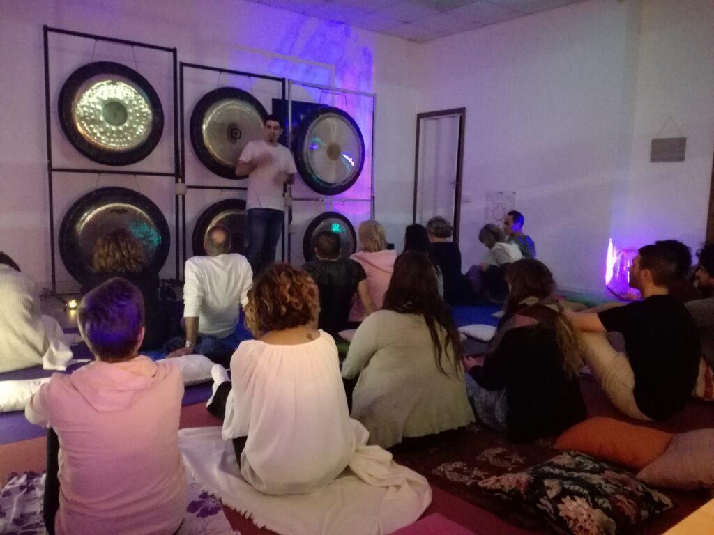 bagno di gong roma ostia acilia luna evento serata